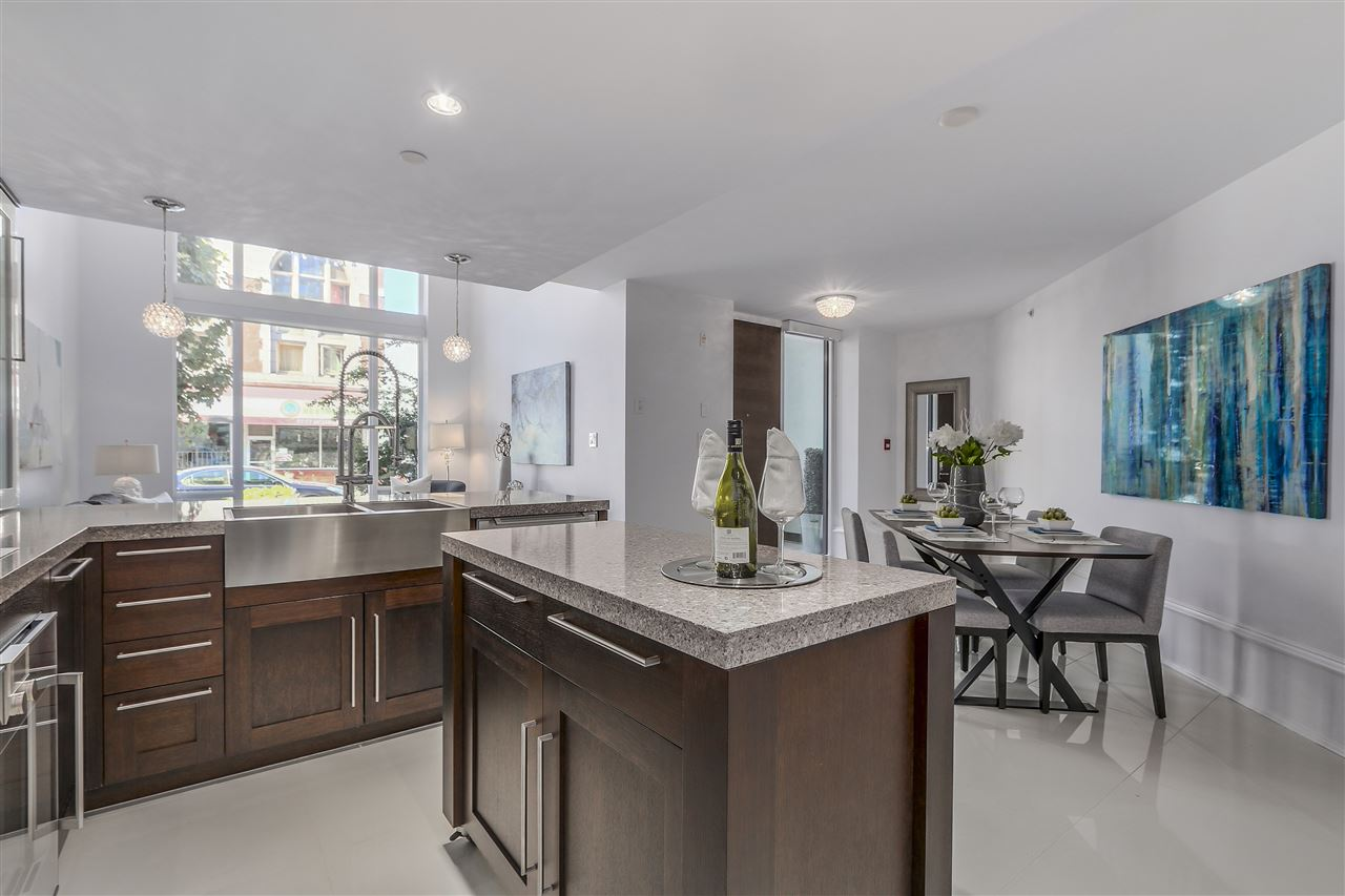 Townhouse at 1110 HORNBY STREET, Vancouver West, British Columbia. Image 7