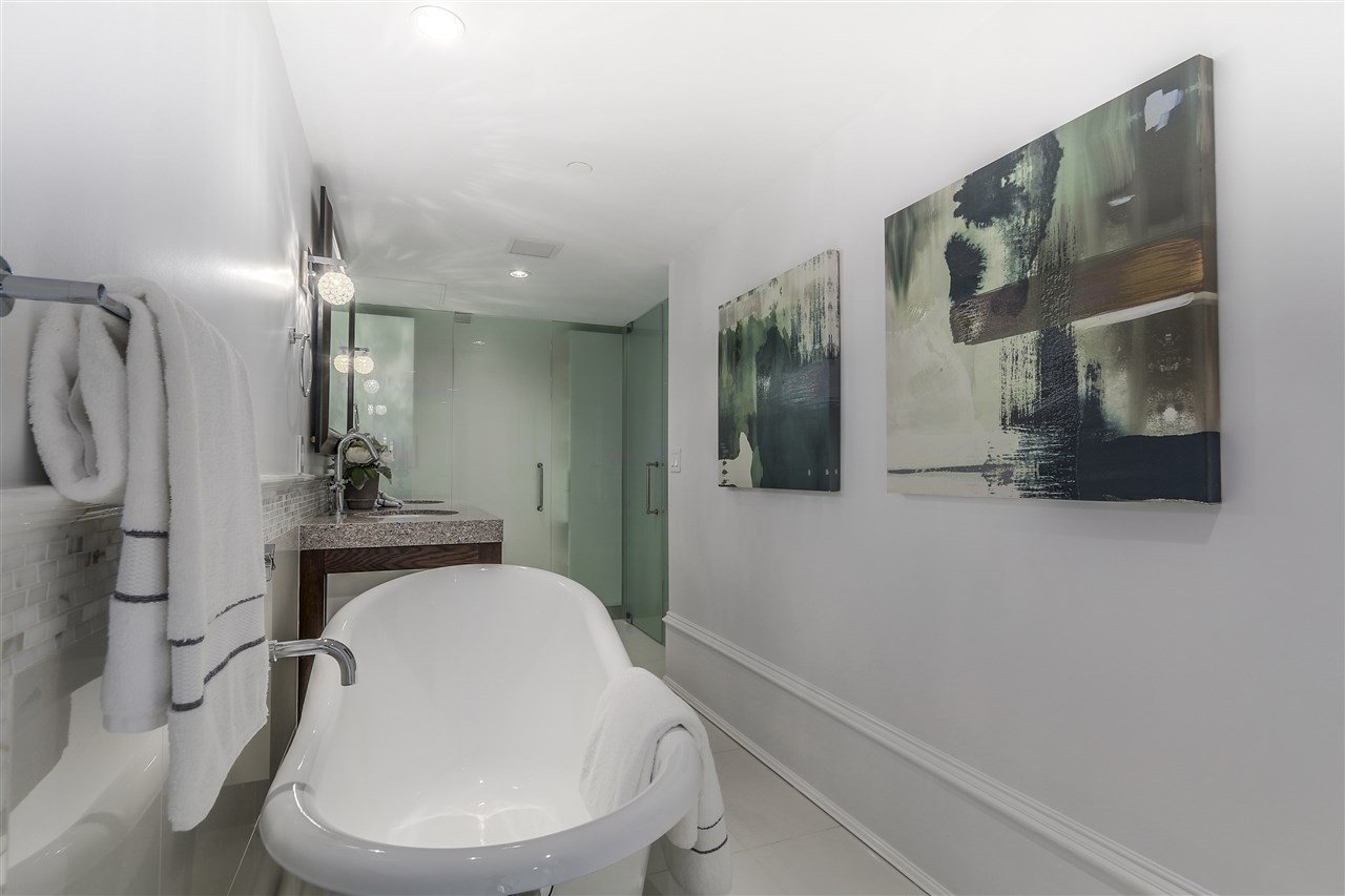 Townhouse at 1110 HORNBY STREET, Vancouver West, British Columbia. Image 15