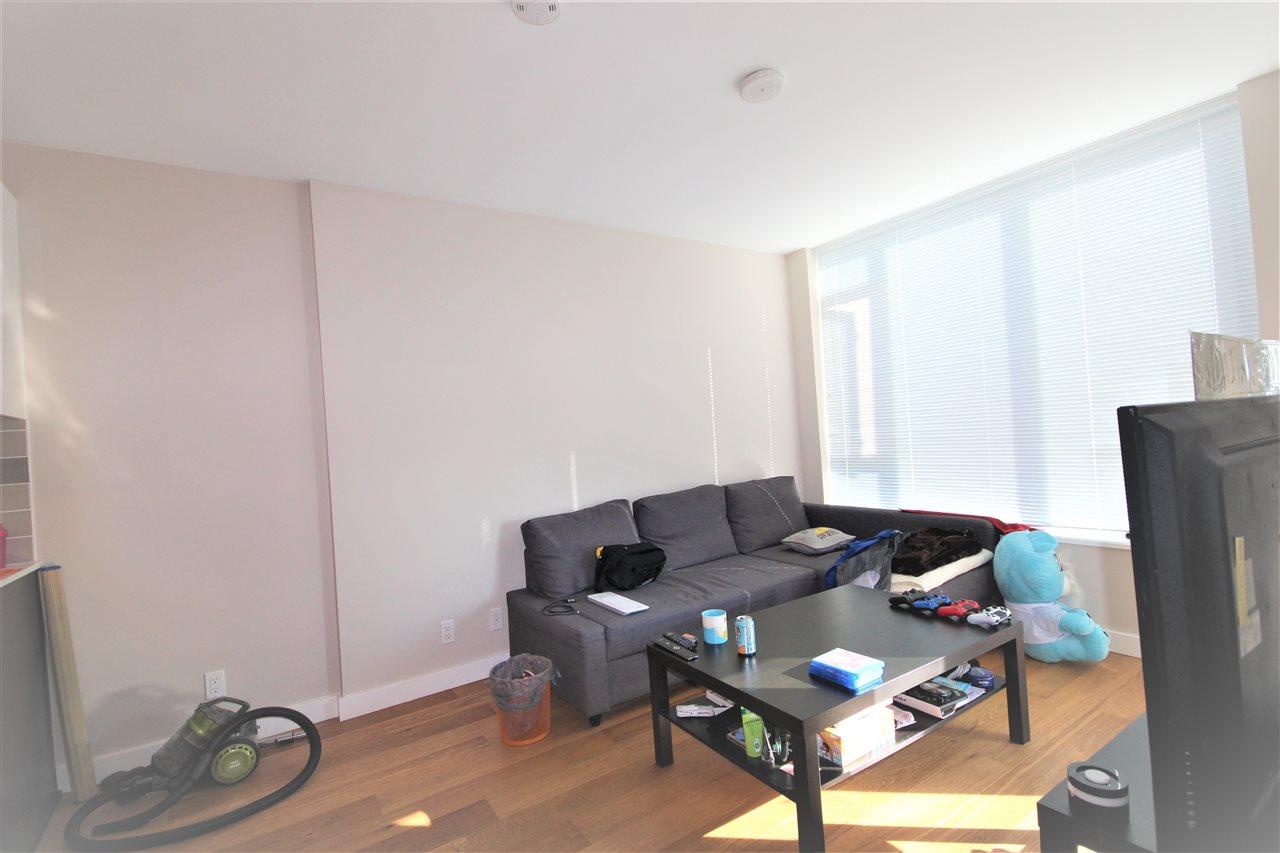 Condo Apartment at 1201 6971 ELMBRIDGE WAY, Unit 1201, Richmond, British Columbia. Image 13