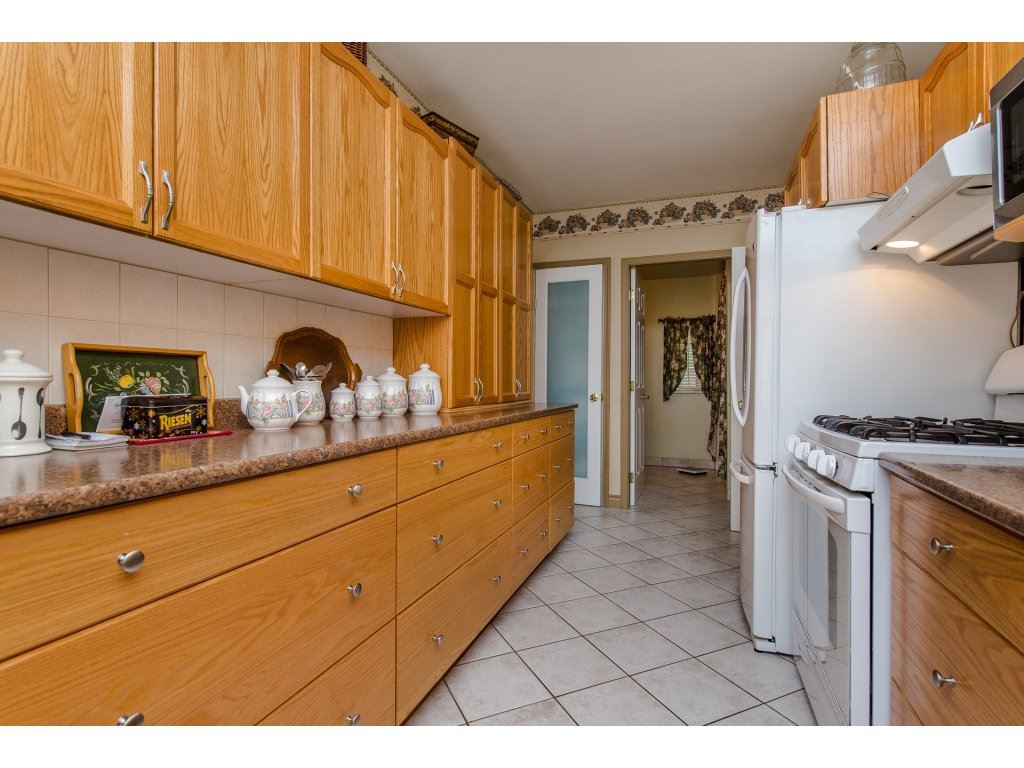 Detached at 49733 YALE ROAD, Rosedale, British Columbia. Image 8