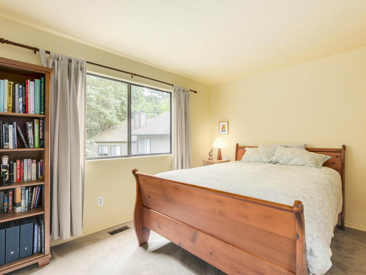 Townhouse at 8585 WOODRIDGE PLACE, Burnaby North, British Columbia. Image 14