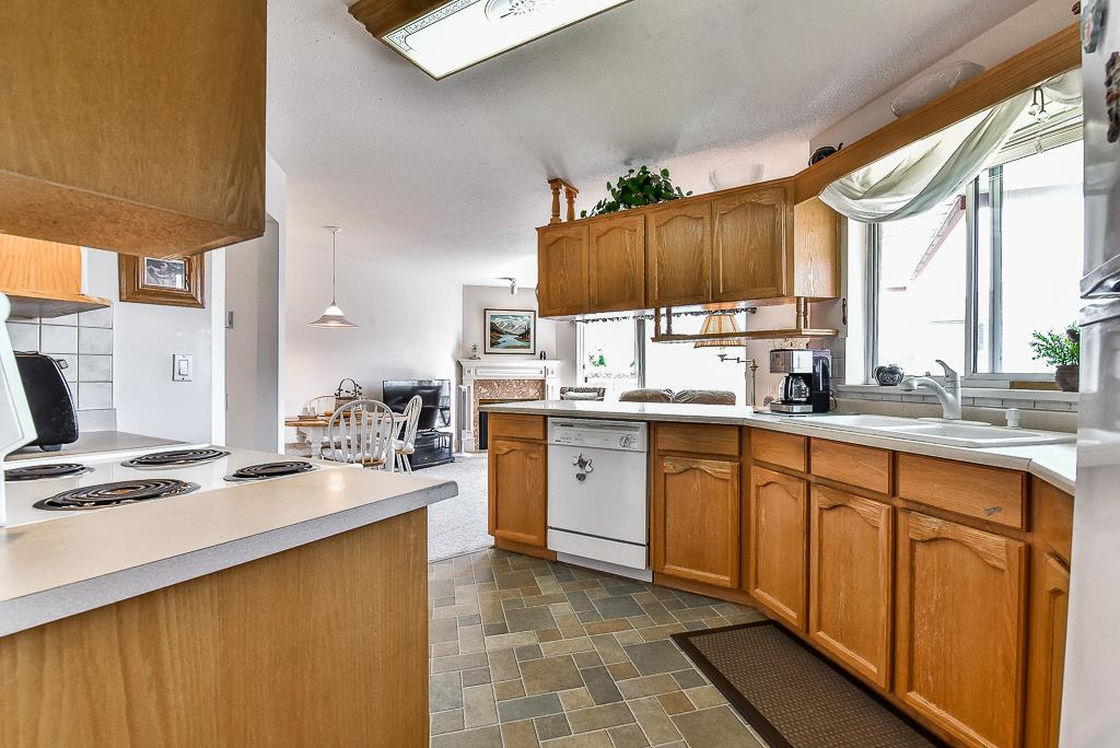 Townhouse at 52 31406 UPPER MACLURE ROAD, Unit 52, Abbotsford, British Columbia. Image 6