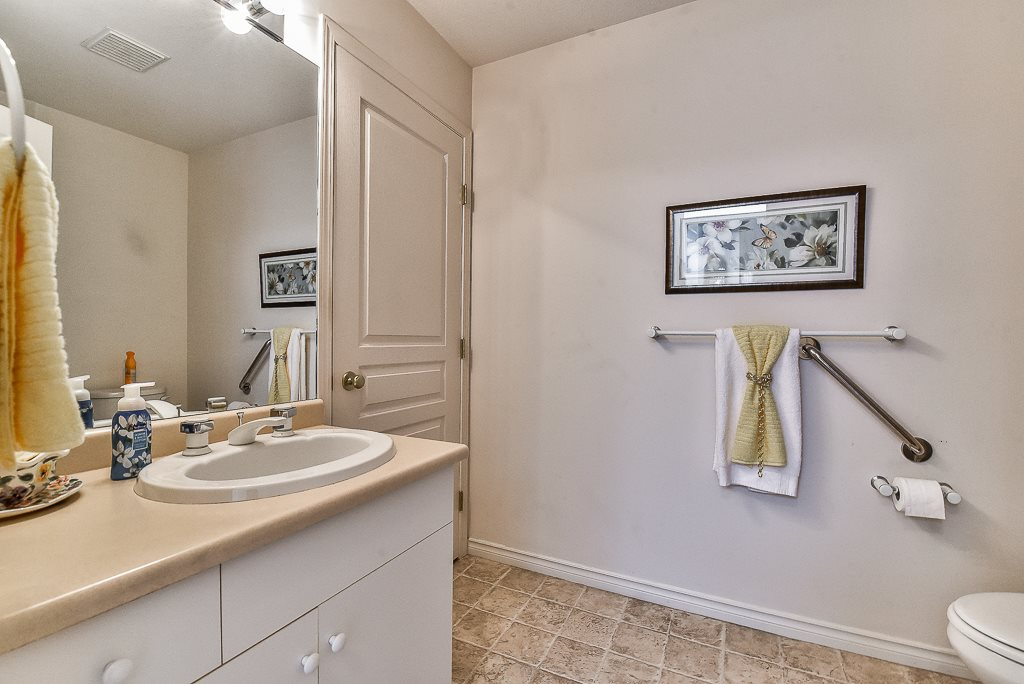 Townhouse at 52 31406 UPPER MACLURE ROAD, Unit 52, Abbotsford, British Columbia. Image 11