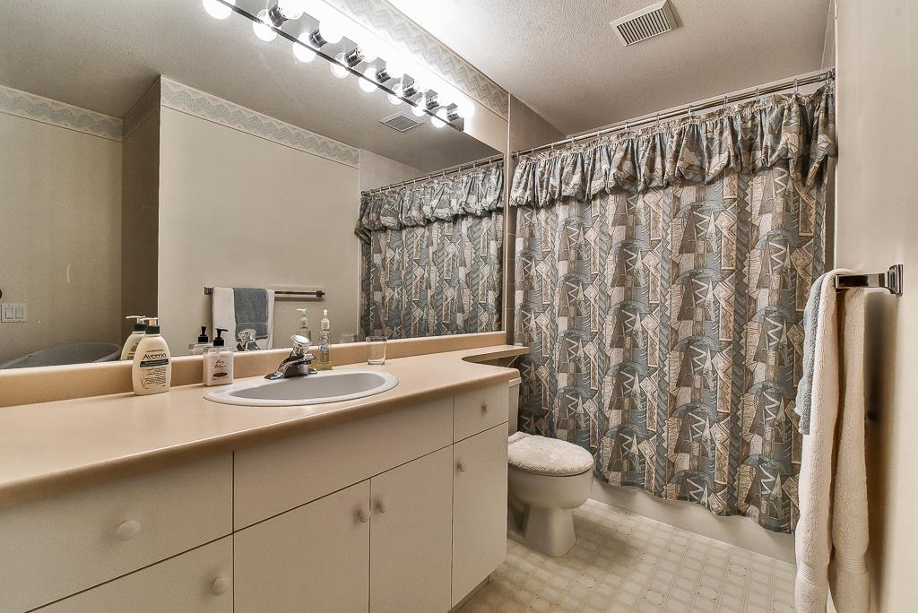 Townhouse at 52 31406 UPPER MACLURE ROAD, Unit 52, Abbotsford, British Columbia. Image 18