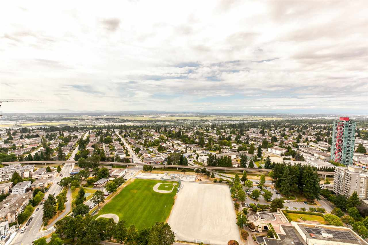 Condo Apartment at 4205 4880 BENNETT STREET, Unit 4205, Burnaby South, British Columbia. Image 1