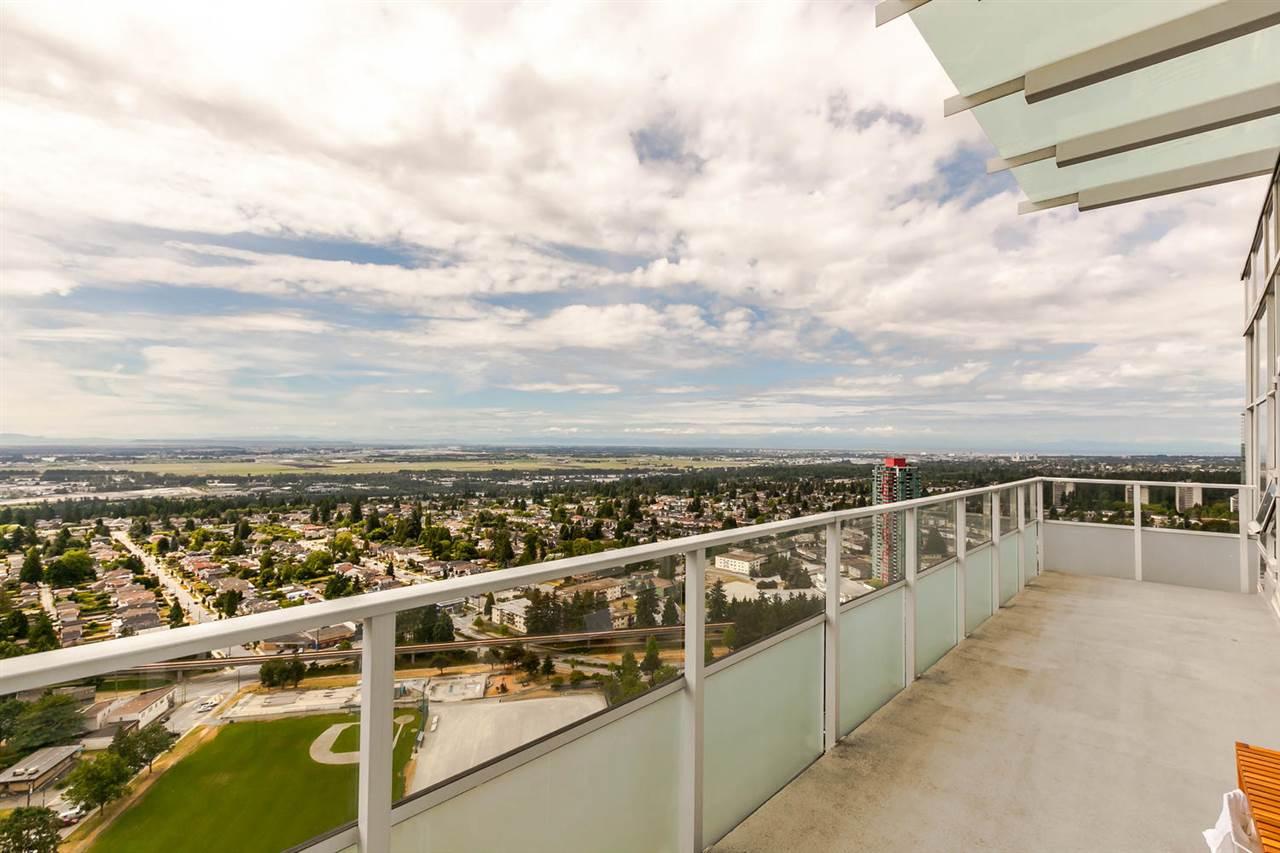 Condo Apartment at 4205 4880 BENNETT STREET, Unit 4205, Burnaby South, British Columbia. Image 3