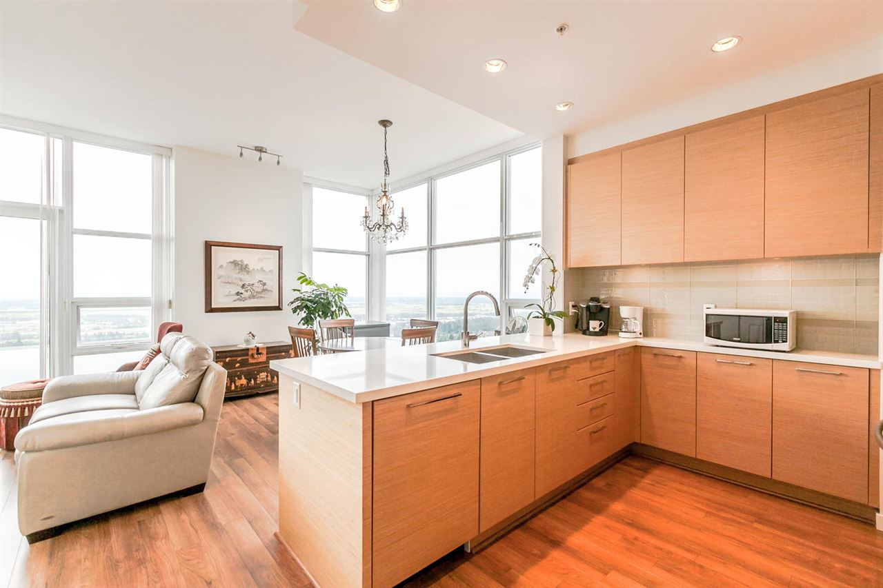 Condo Apartment at 4205 4880 BENNETT STREET, Unit 4205, Burnaby South, British Columbia. Image 5