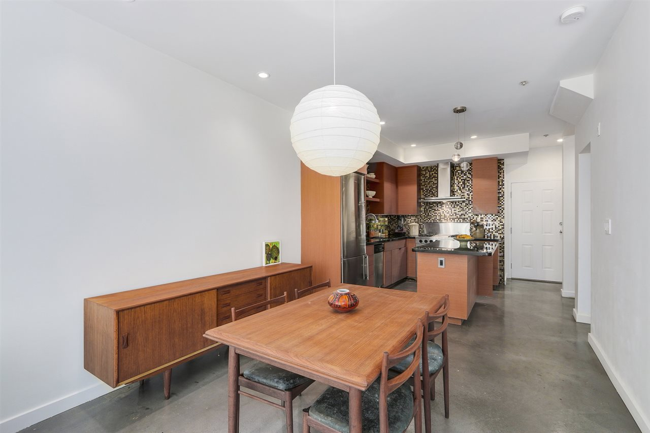 Condo Apartment at 122 3440 W BROADWAY STREET, Unit 122, Vancouver West, British Columbia. Image 6