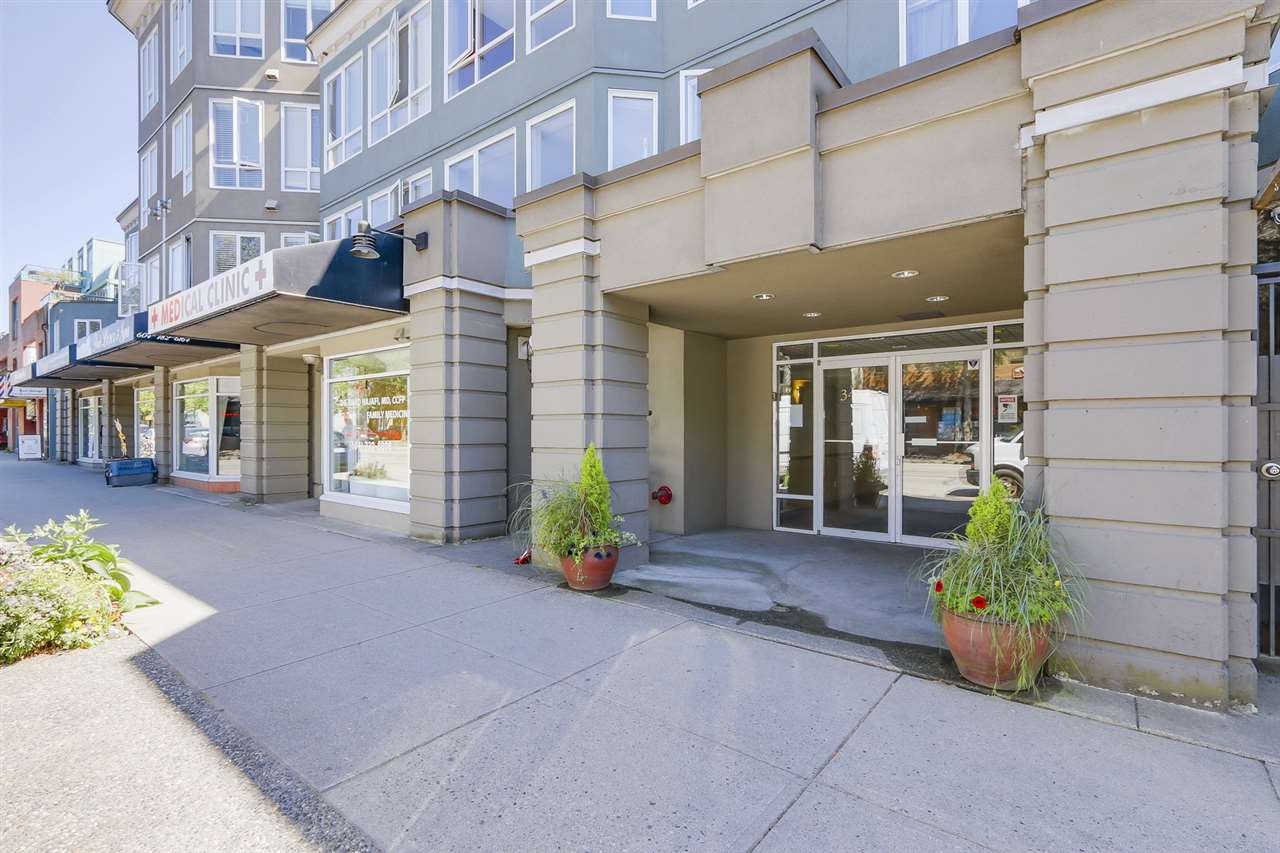 Condo Apartment at 122 3440 W BROADWAY STREET, Unit 122, Vancouver West, British Columbia. Image 14