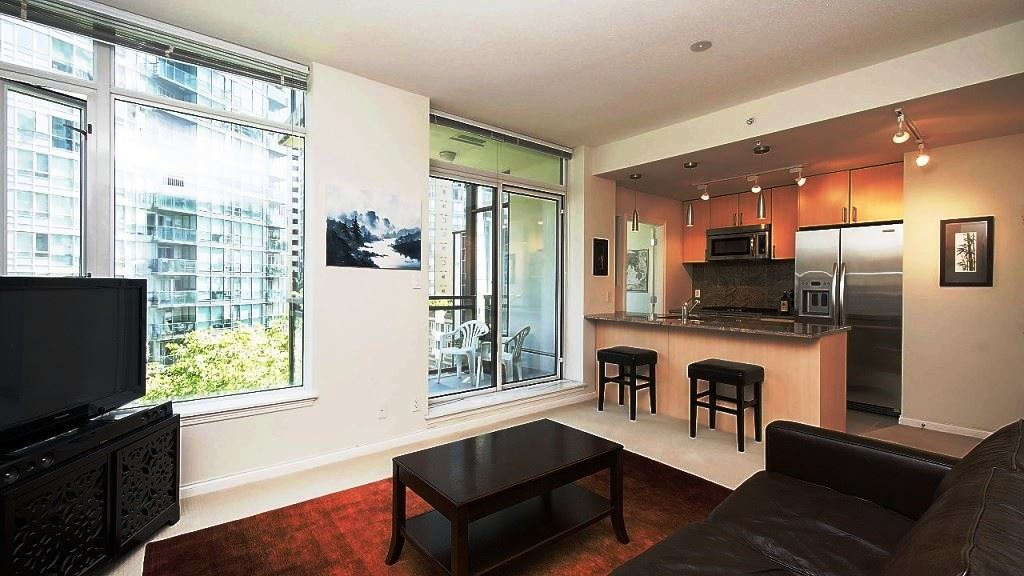 Condo Apartment at 701 1211 MELVILLE STREET, Unit 701, Vancouver West, British Columbia. Image 3