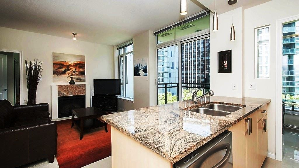 Condo Apartment at 701 1211 MELVILLE STREET, Unit 701, Vancouver West, British Columbia. Image 6