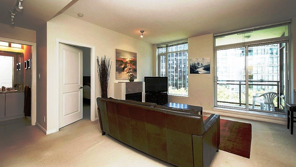 Condo Apartment at 701 1211 MELVILLE STREET, Unit 701, Vancouver West, British Columbia. Image 10