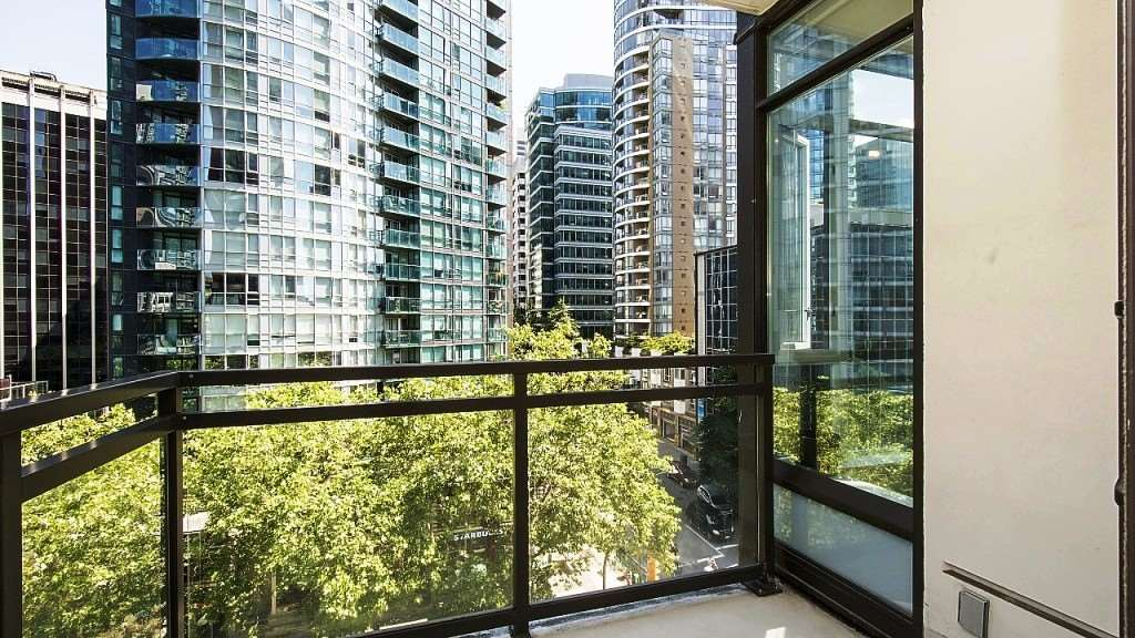Condo Apartment at 701 1211 MELVILLE STREET, Unit 701, Vancouver West, British Columbia. Image 11