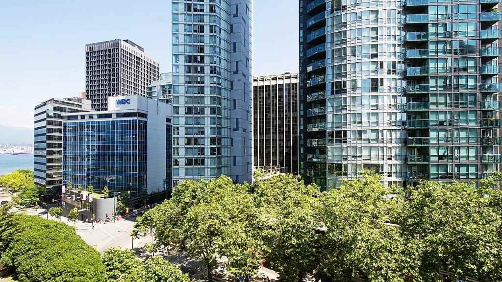 Condo Apartment at 701 1211 MELVILLE STREET, Unit 701, Vancouver West, British Columbia. Image 12