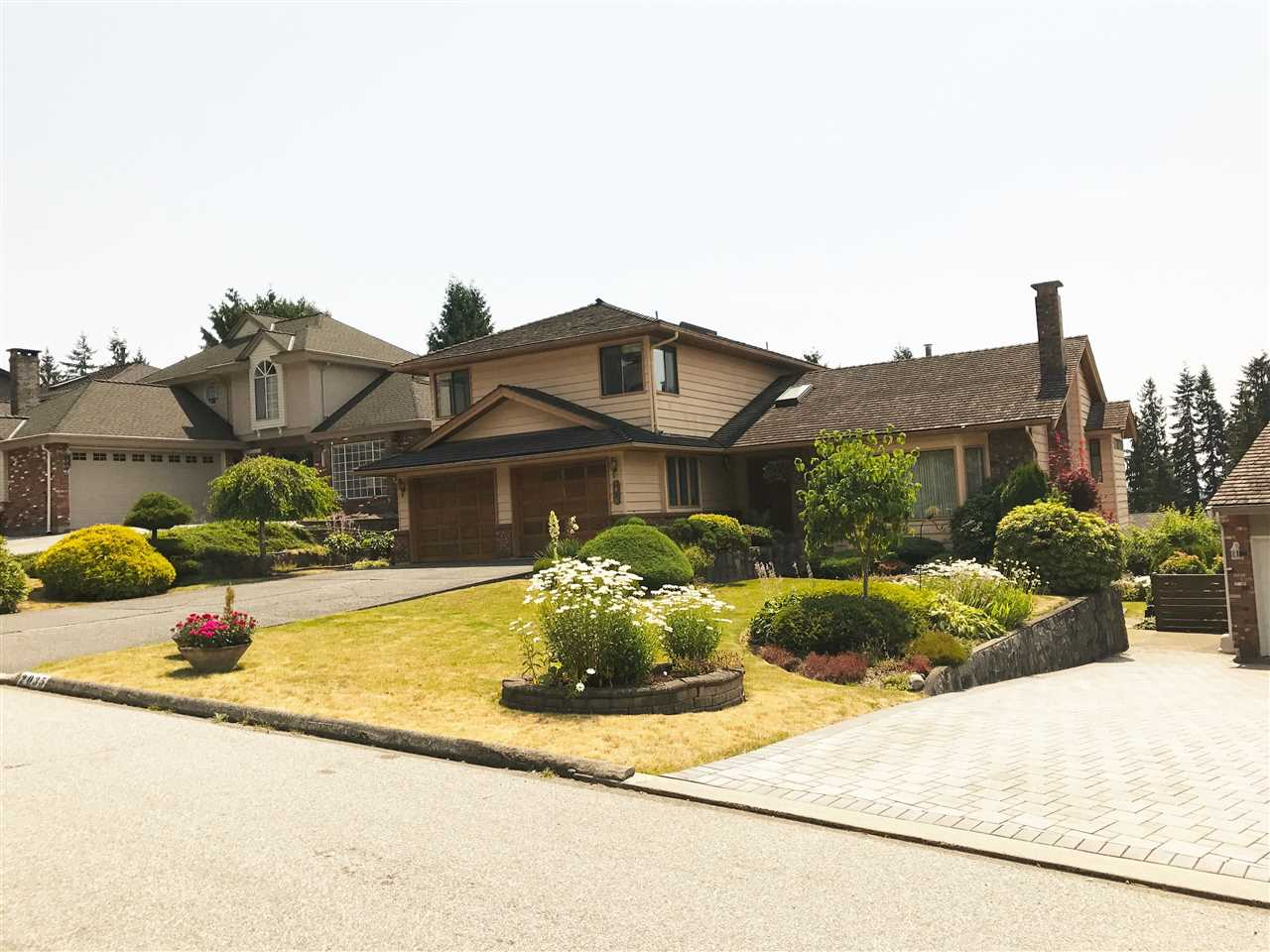Detached at 2035 HILL DRIVE, North Vancouver, British Columbia. Image 1