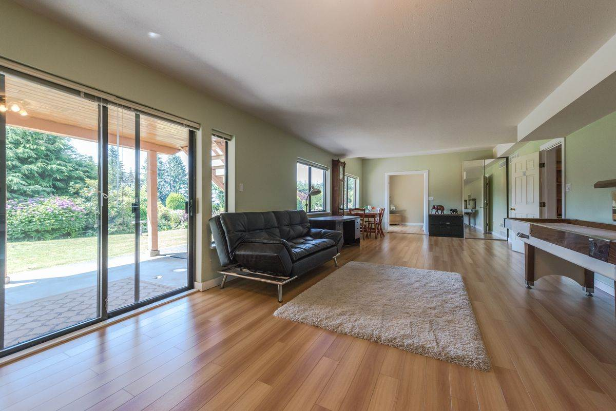 Detached at 2035 HILL DRIVE, North Vancouver, British Columbia. Image 10