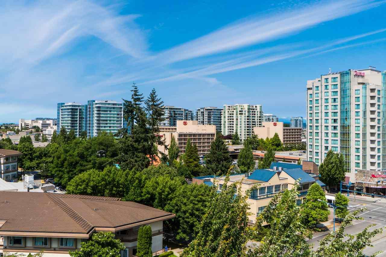 Condo Apartment at 802 6080 MINORU BOULEVARD, Unit 802, Richmond, British Columbia. Image 3