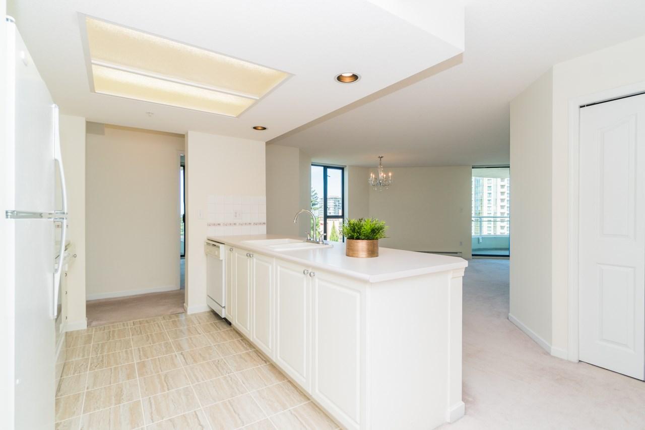 Condo Apartment at 802 6080 MINORU BOULEVARD, Unit 802, Richmond, British Columbia. Image 5