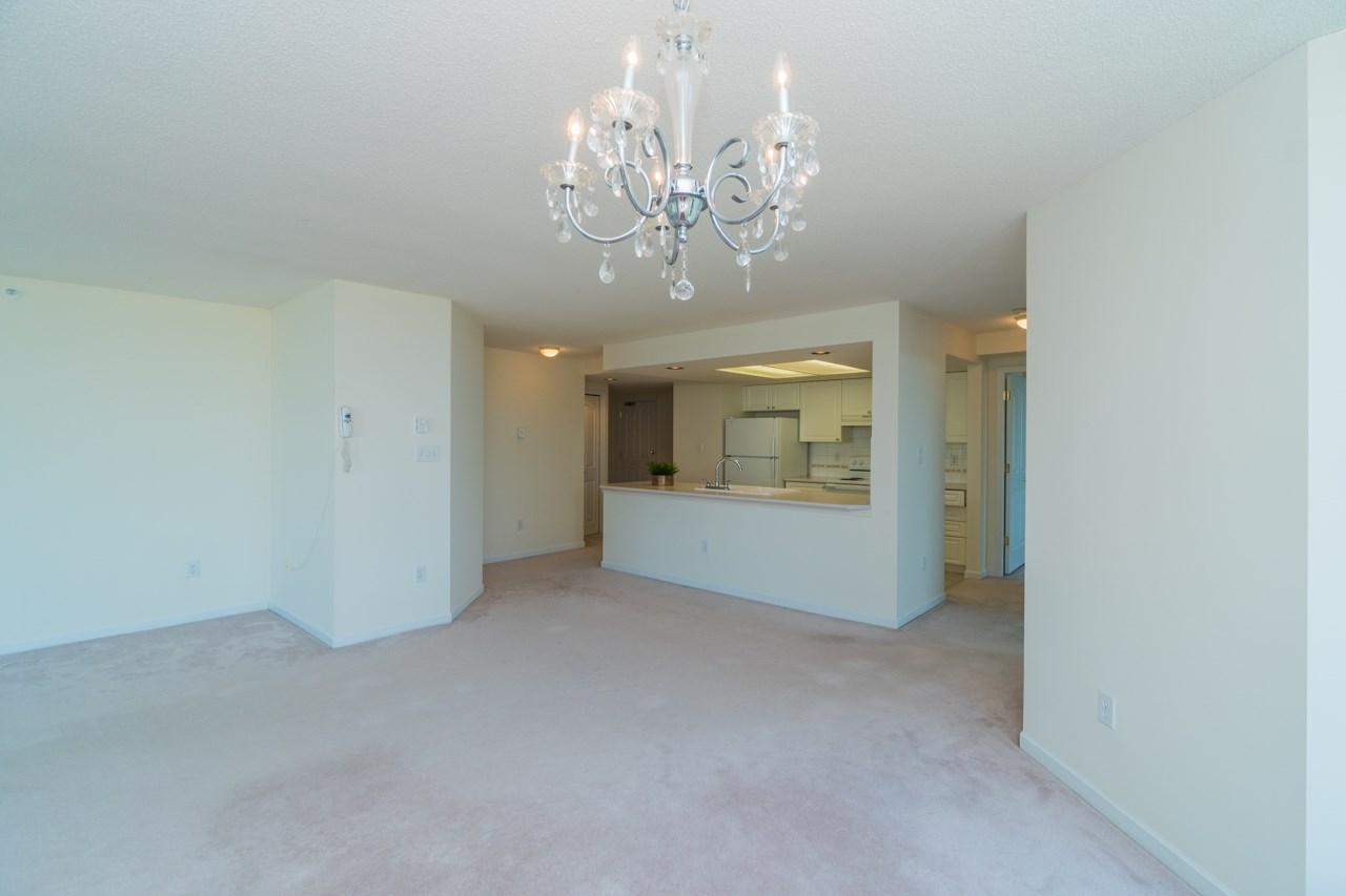 Condo Apartment at 802 6080 MINORU BOULEVARD, Unit 802, Richmond, British Columbia. Image 10