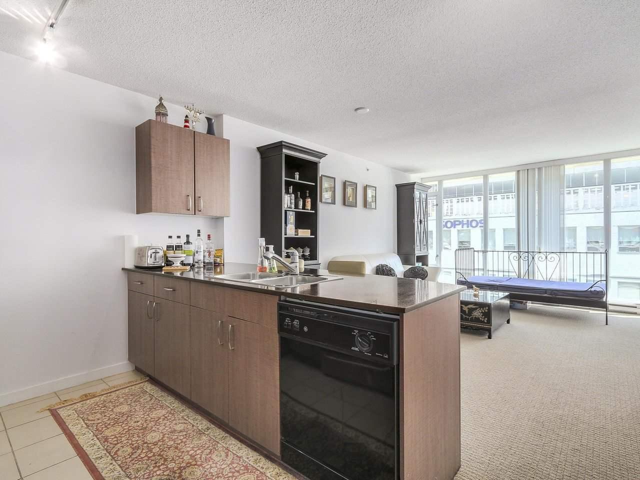 Condo Apartment at 616 610 GRANVILLE STREET, Unit 616, Vancouver West, British Columbia. Image 2