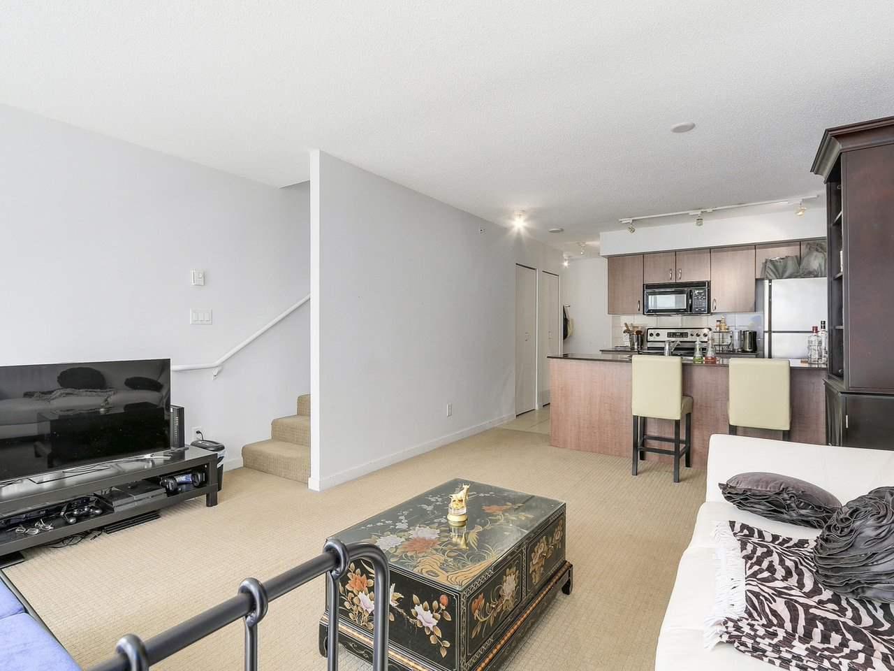 Condo Apartment at 616 610 GRANVILLE STREET, Unit 616, Vancouver West, British Columbia. Image 7