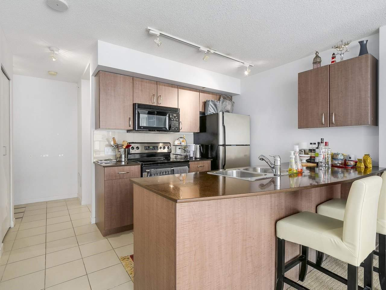 Condo Apartment at 616 610 GRANVILLE STREET, Unit 616, Vancouver West, British Columbia. Image 8