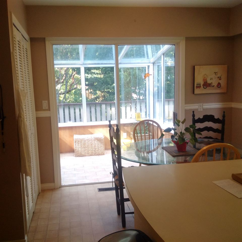 Detached at 5686 KEITH ROAD, West Vancouver, British Columbia. Image 7