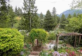 Detached at 5686 KEITH ROAD, West Vancouver, British Columbia. Image 14