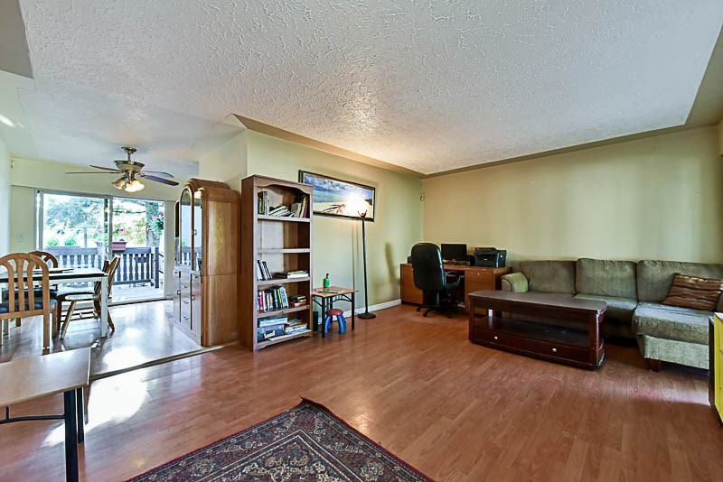 Detached at 2367 SOUTHDALE CRESCENT, Abbotsford, British Columbia. Image 4