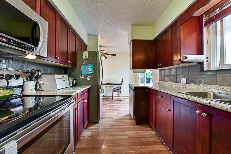 Detached at 2367 SOUTHDALE CRESCENT, Abbotsford, British Columbia. Image 7