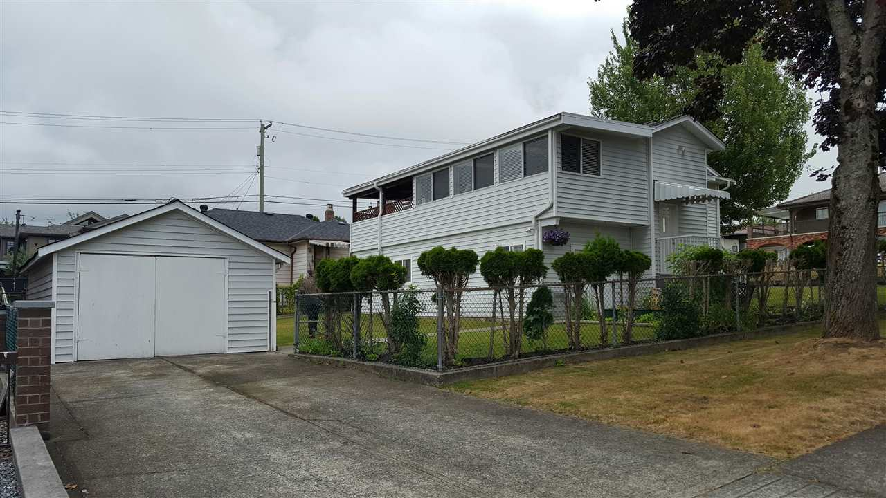 Detached at 881 MACDONALD AVENUE, Burnaby North, British Columbia. Image 2