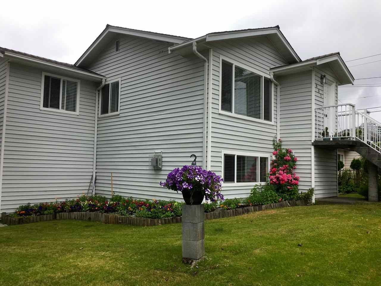 Detached at 881 MACDONALD AVENUE, Burnaby North, British Columbia. Image 8