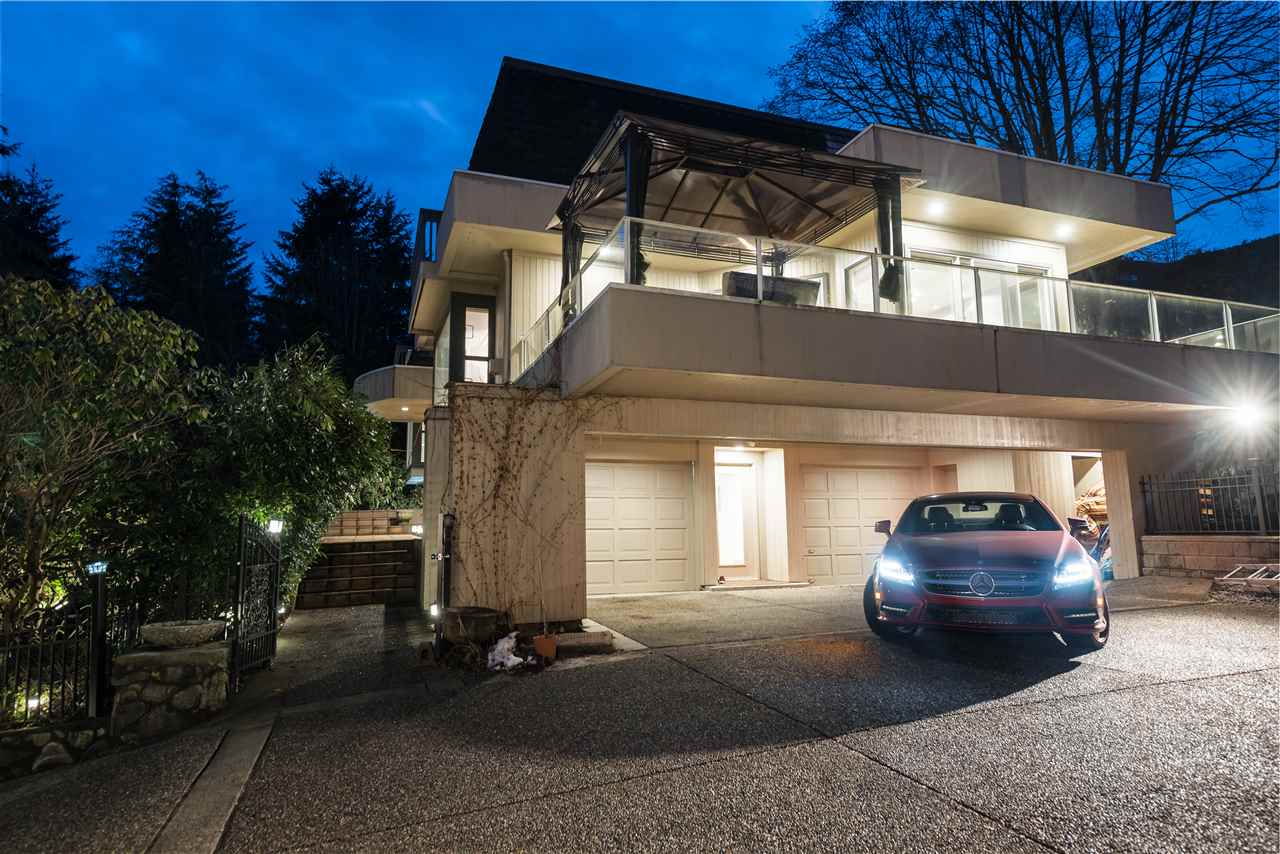 Detached at 1055 ELVEDEN ROW, West Vancouver, British Columbia. Image 1