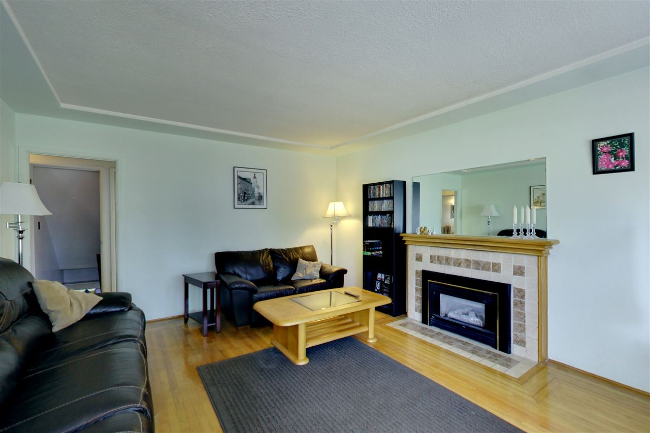 Detached at 328 E 64TH AVENUE, Vancouver East, British Columbia. Image 3