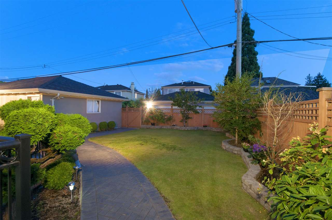 Detached at 1088 W 49TH AVENUE, Vancouver West, British Columbia. Image 19