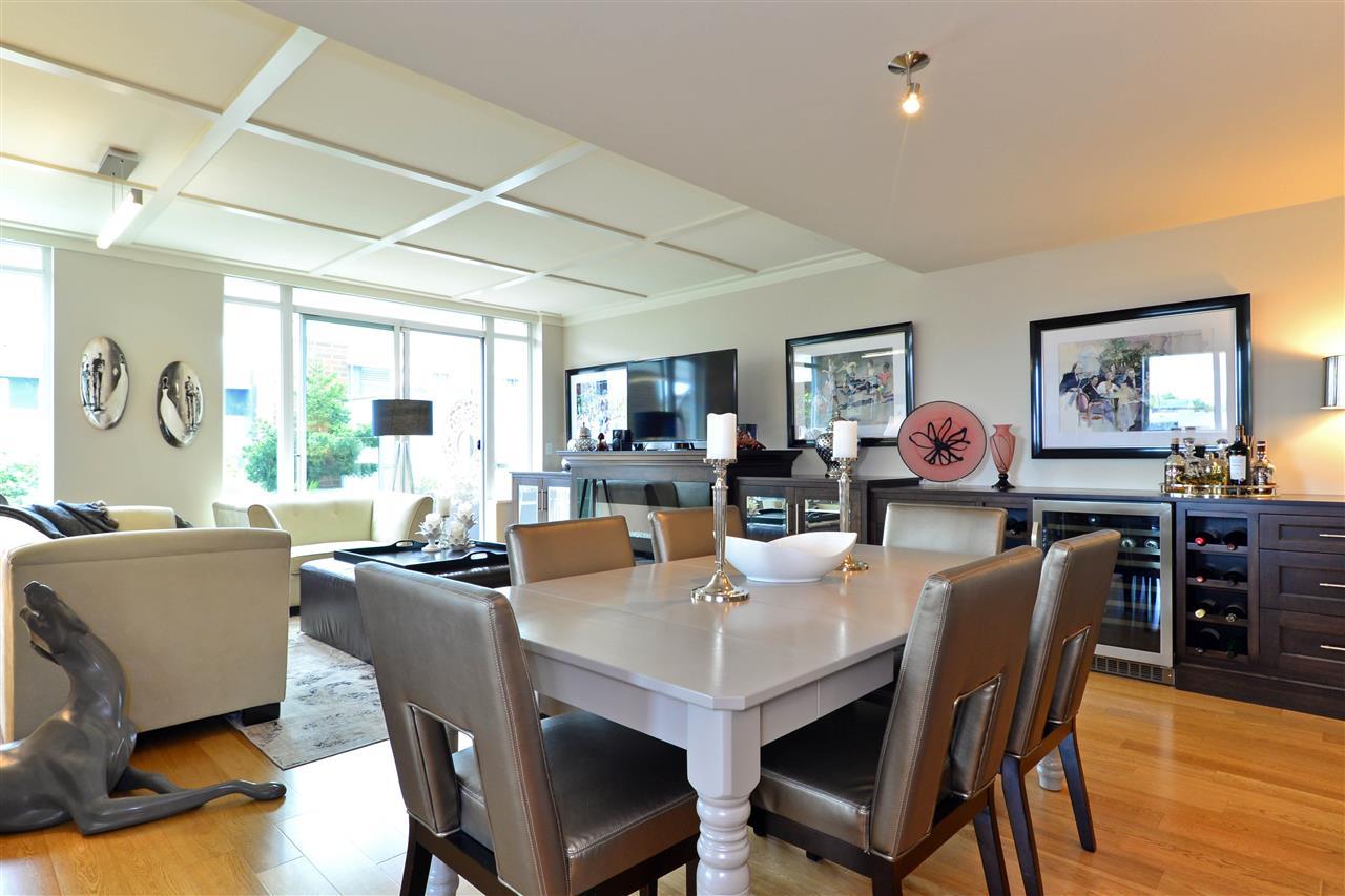 Condo Apartment at 204 15152 RUSSELL AVENUE, Unit 204, South Surrey White Rock, British Columbia. Image 11