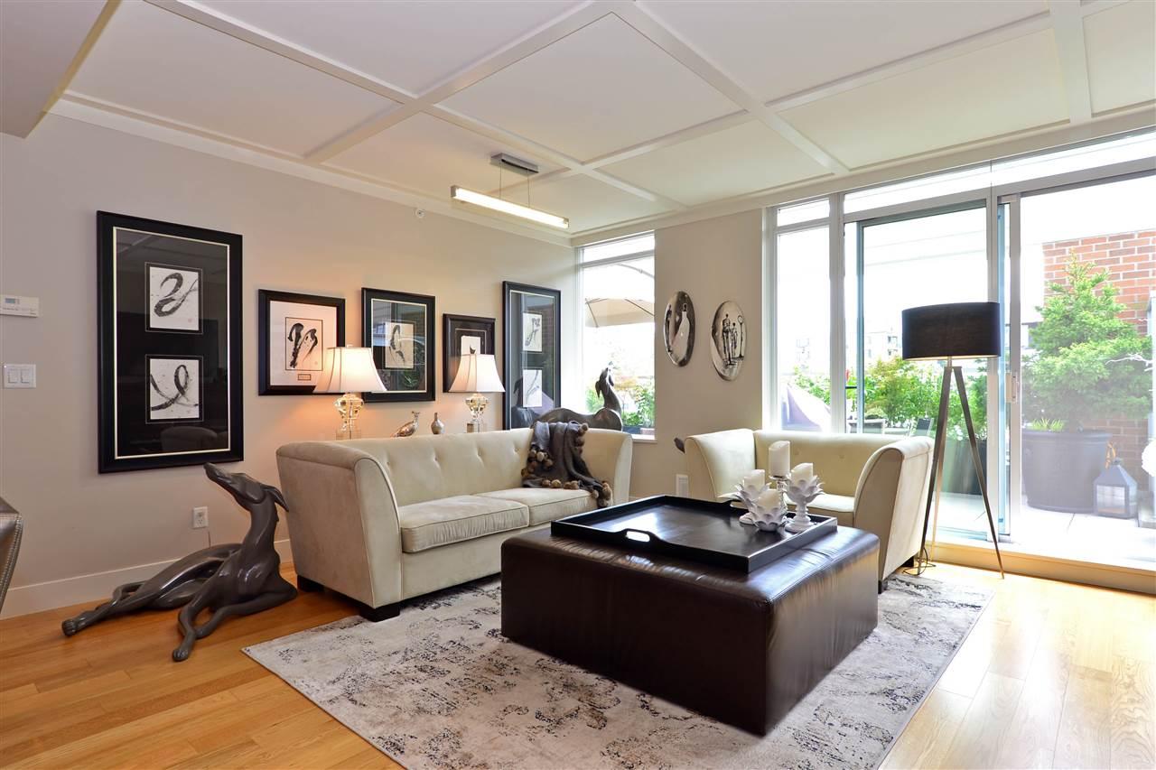 Condo Apartment at 204 15152 RUSSELL AVENUE, Unit 204, South Surrey White Rock, British Columbia. Image 15