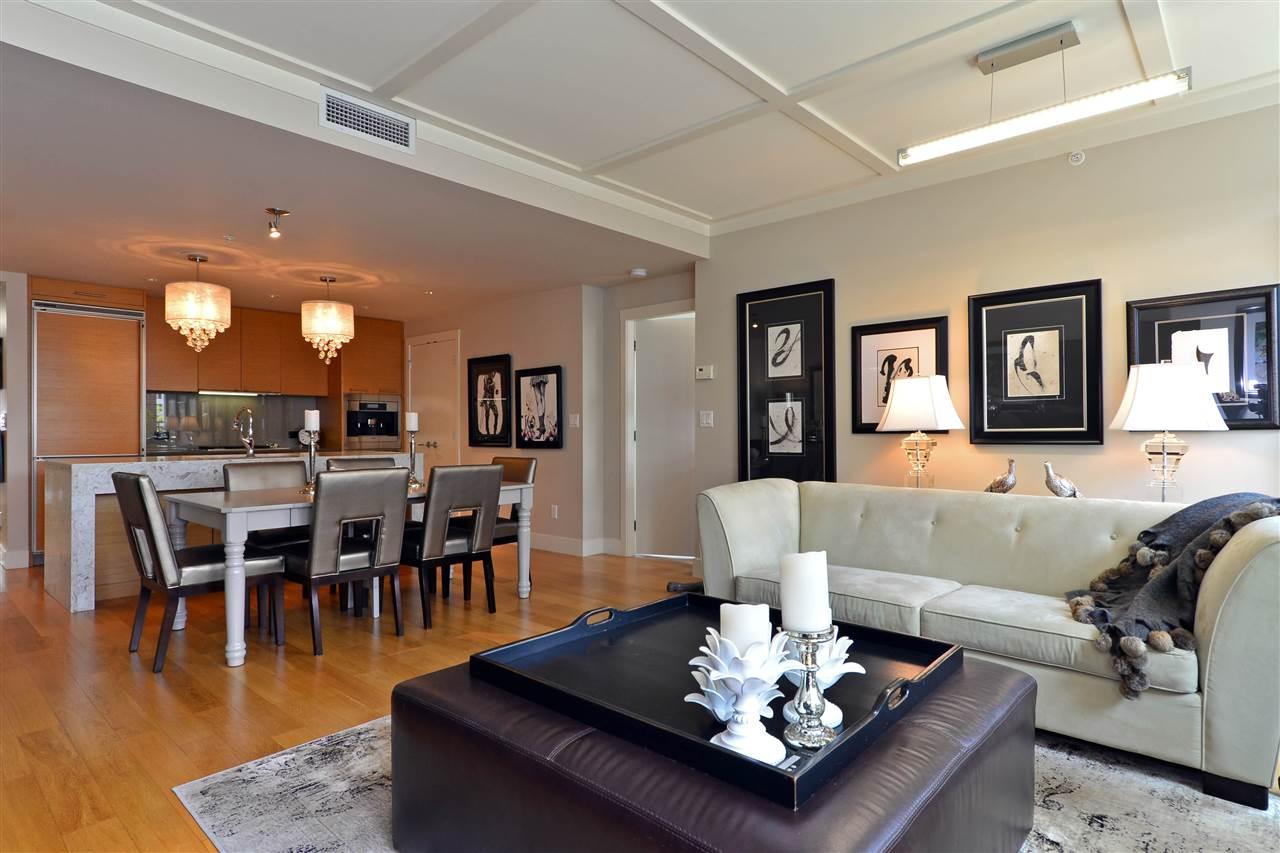 Condo Apartment at 204 15152 RUSSELL AVENUE, Unit 204, South Surrey White Rock, British Columbia. Image 17