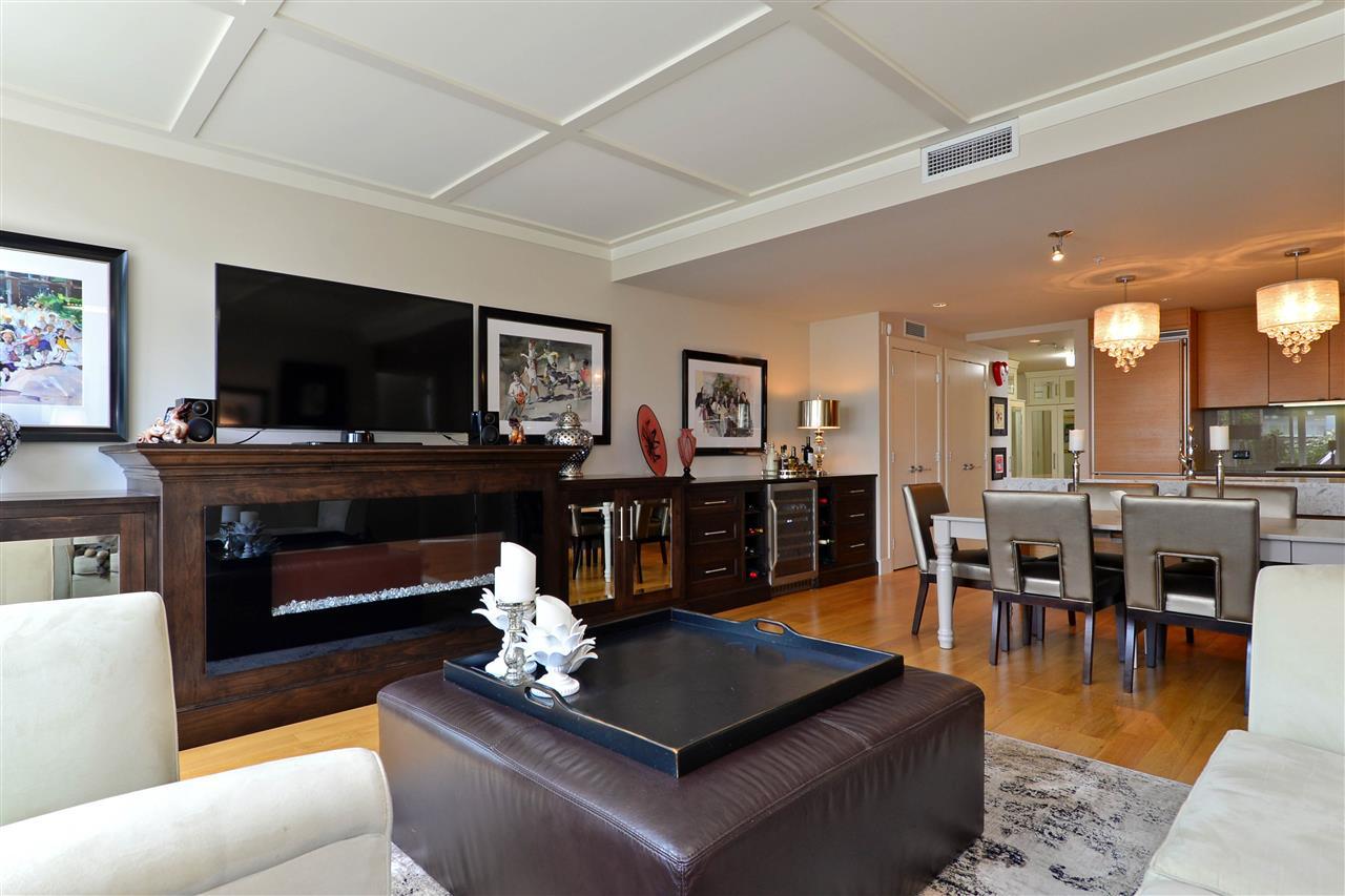 Condo Apartment at 204 15152 RUSSELL AVENUE, Unit 204, South Surrey White Rock, British Columbia. Image 18