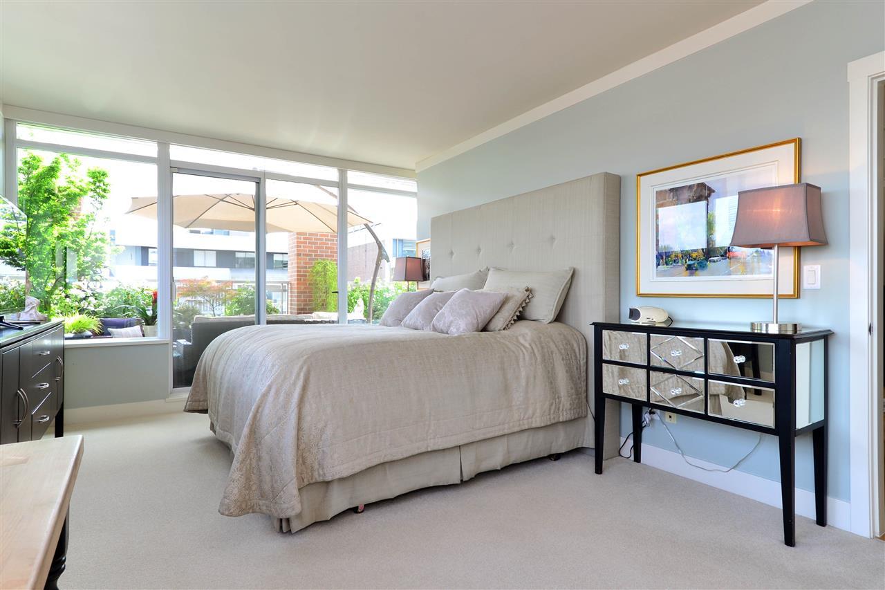 Condo Apartment at 204 15152 RUSSELL AVENUE, Unit 204, South Surrey White Rock, British Columbia. Image 20