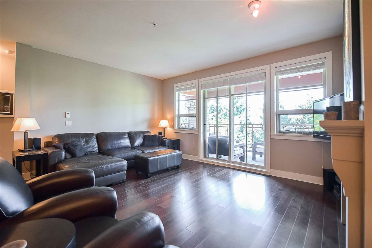 Condo Apartment at 209 16477 64 AVENUE, Unit 209, Cloverdale, British Columbia. Image 7