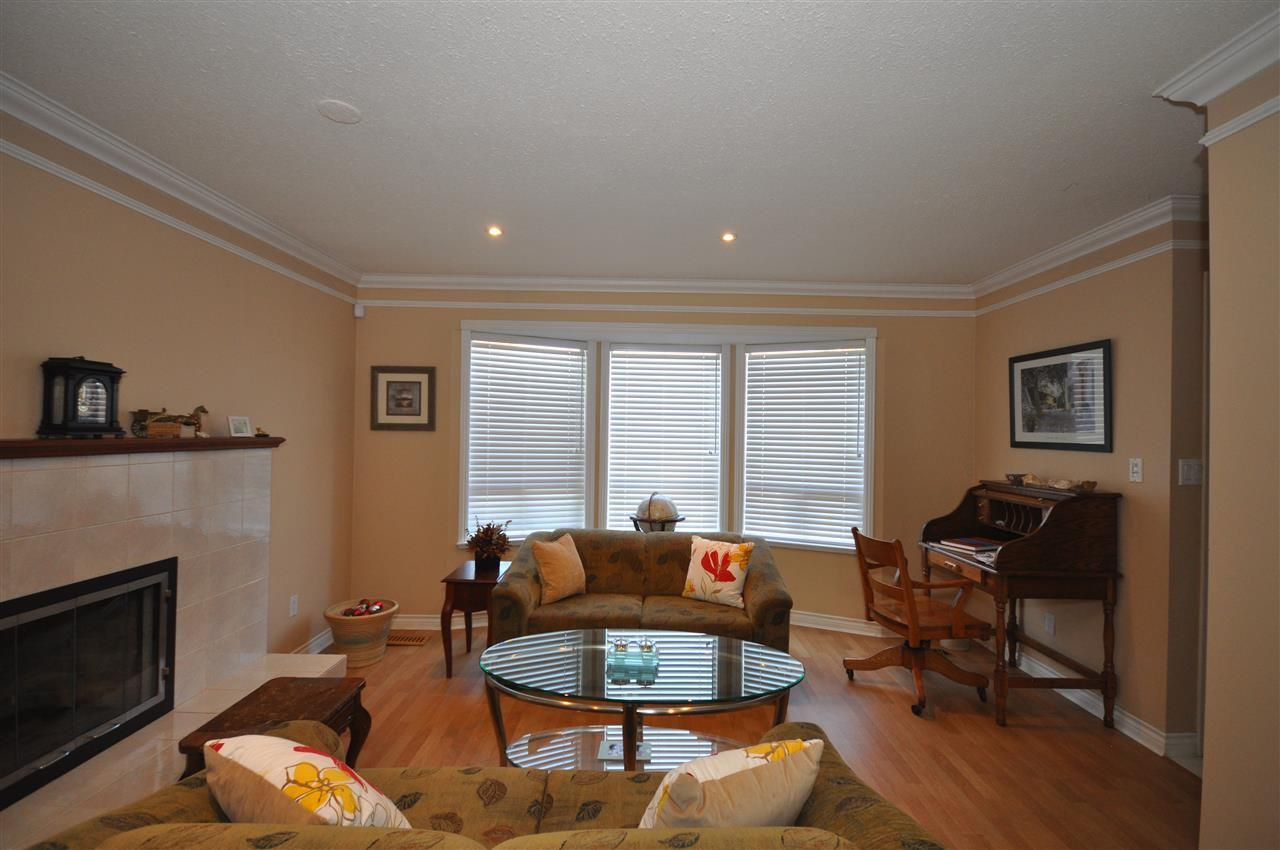 Half-duplex at 4760 DUNCLIFFE ROAD, Richmond, British Columbia. Image 3
