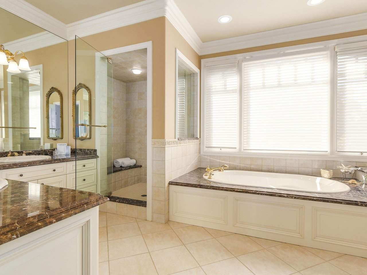 Detached at 4588 PINE CRESCENT, Vancouver West, British Columbia. Image 10