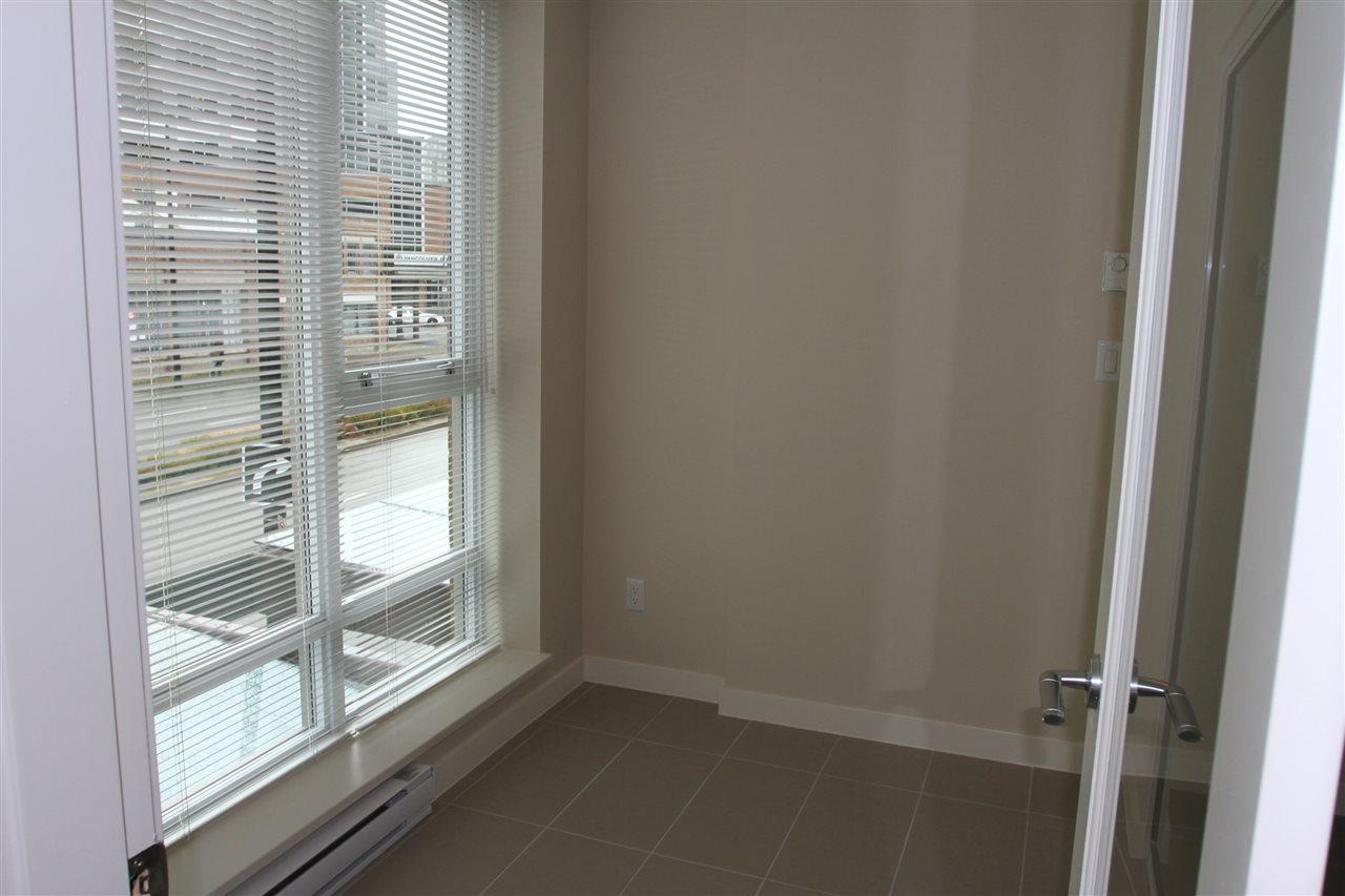 Condo Apartment at 207 445 2ND AVENUE, Unit 207, Vancouver West, British Columbia. Image 3