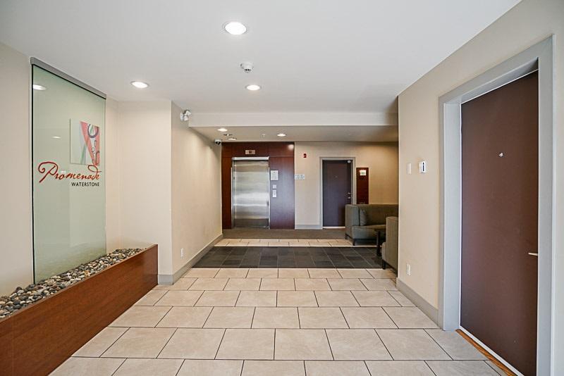 Condo Apartment at 302 6420 194 STREET, Unit 302, Cloverdale, British Columbia. Image 3