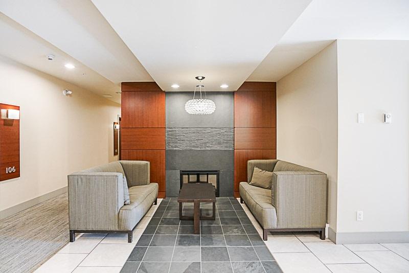 Condo Apartment at 302 6420 194 STREET, Unit 302, Cloverdale, British Columbia. Image 4