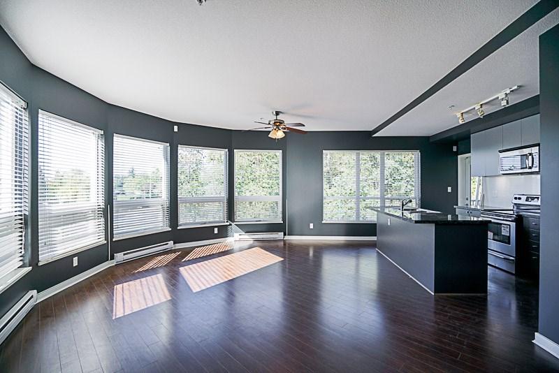 Condo Apartment at 302 6420 194 STREET, Unit 302, Cloverdale, British Columbia. Image 5