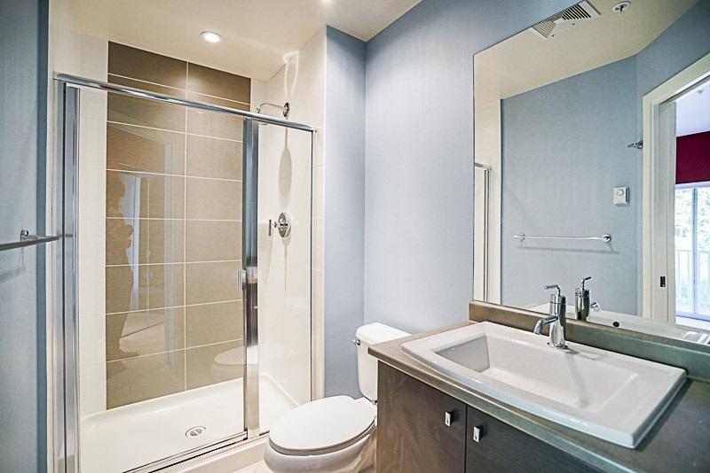 Condo Apartment at 302 6420 194 STREET, Unit 302, Cloverdale, British Columbia. Image 8