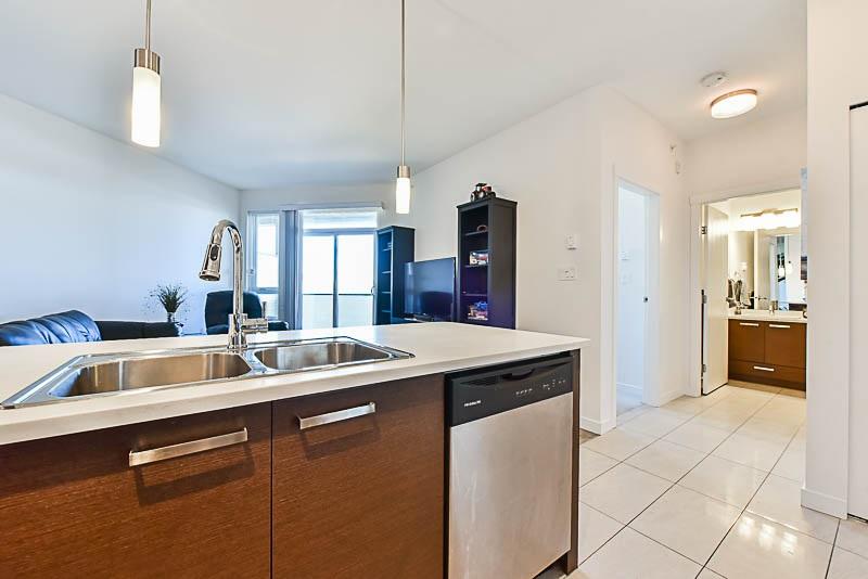 Condo Apartment at 425 10880 NO. 5 ROAD, Unit 425, Richmond, British Columbia. Image 3