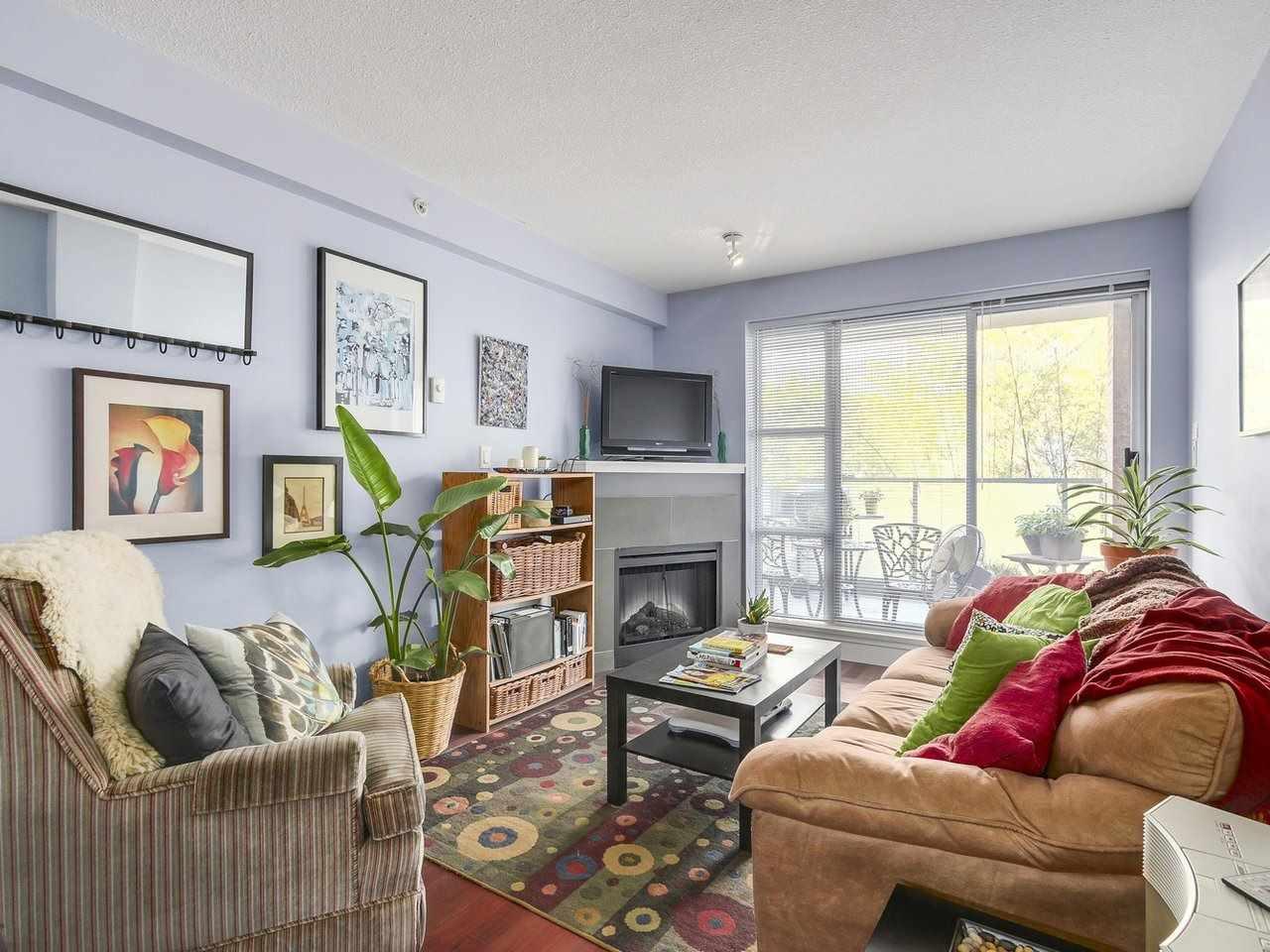 Condo Apartment at 211 3811 HASTINGS STREET, Unit 211, Burnaby North, British Columbia. Image 5